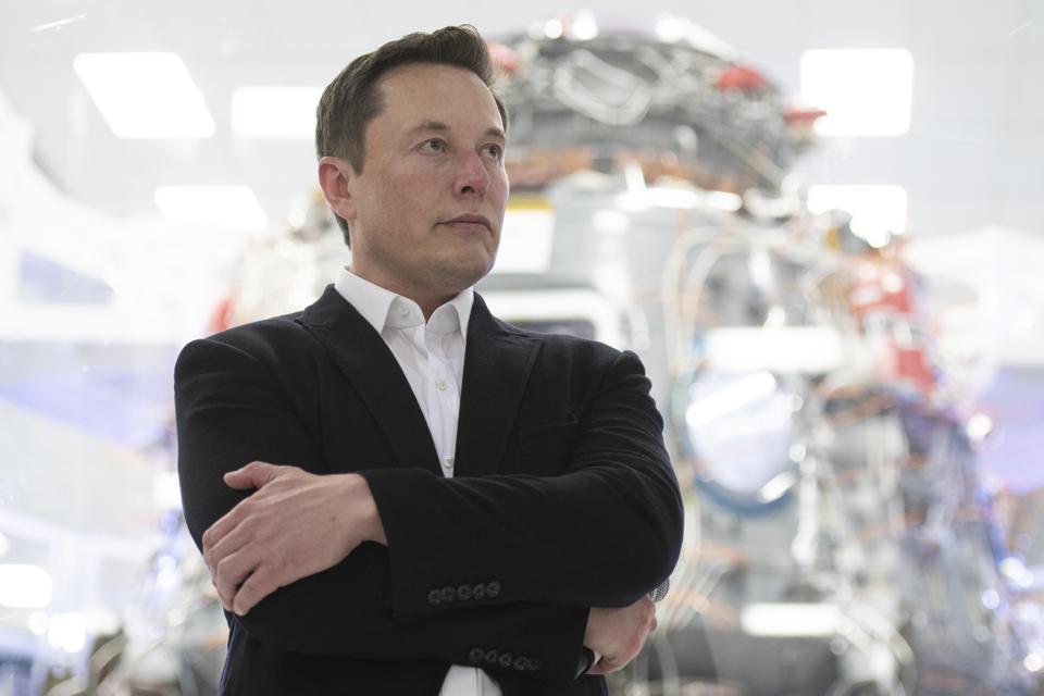 Elon Musk parasının yarısını hayır işlerine ayıracak